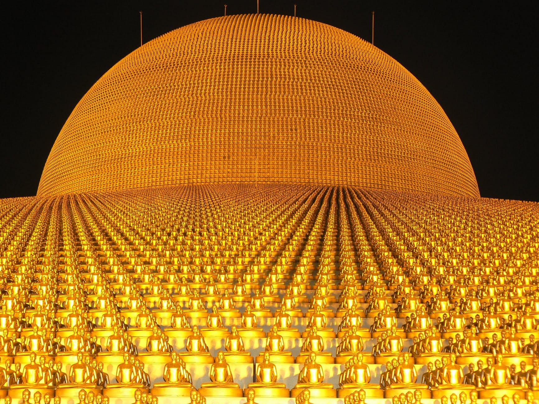 dhammakaya-pagoda-more-than-million-budhas-47315.jpeg